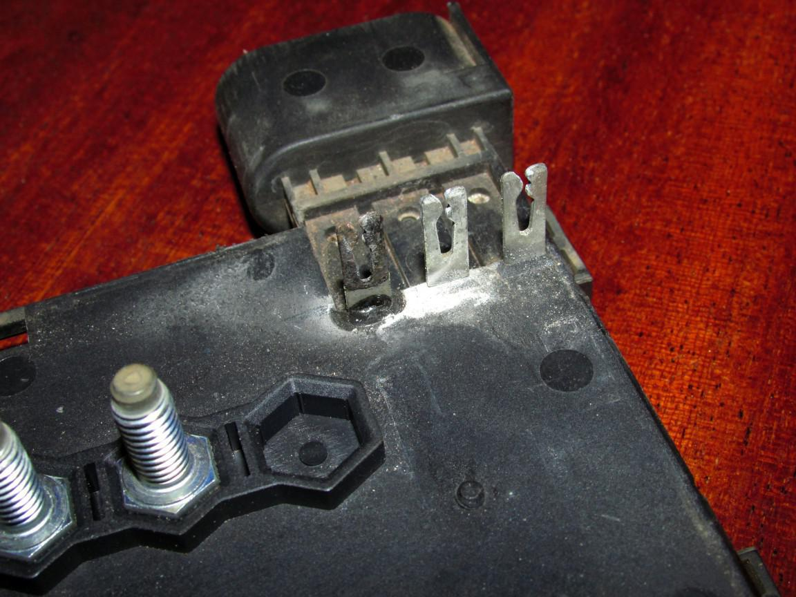 Vwvortexcom Melting Fuse Box Fix 02 Audi S4 I Removed The Contacts And Gave Them A Good Filing To Create Surface For Soldering